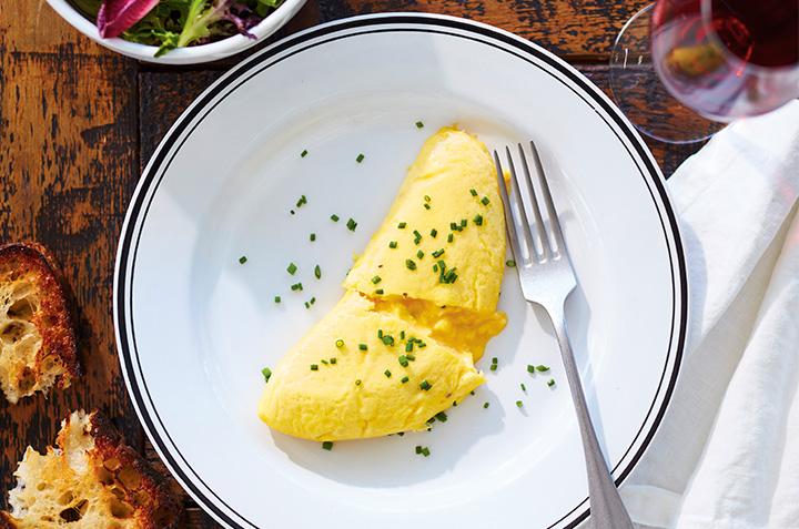 Comment cuisiner la meilleure omelette française étape par étape