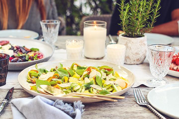 Nos idées astucieuses pour un repas d'été zéro déchet