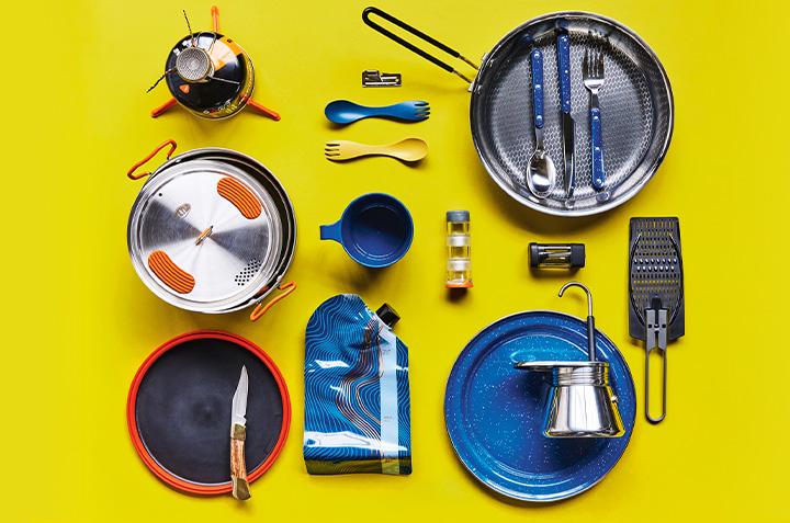 15 accessoires essentiels pour cuisiner en camping