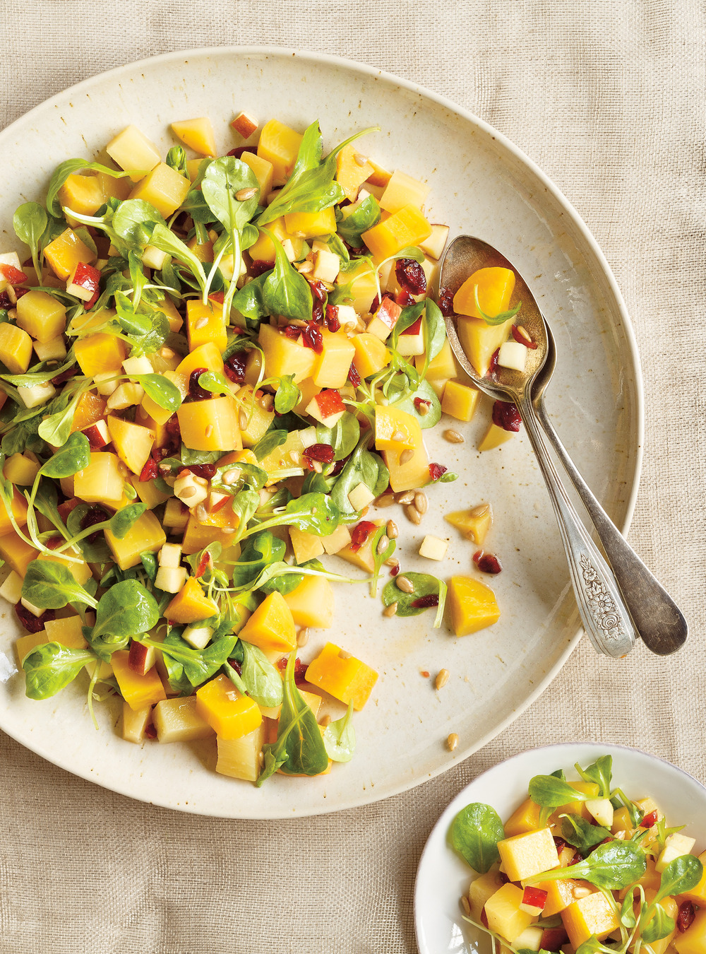 Salade de betteraves aux pommes et aux canneberges ricardo for Articles de cuisine de ricardo