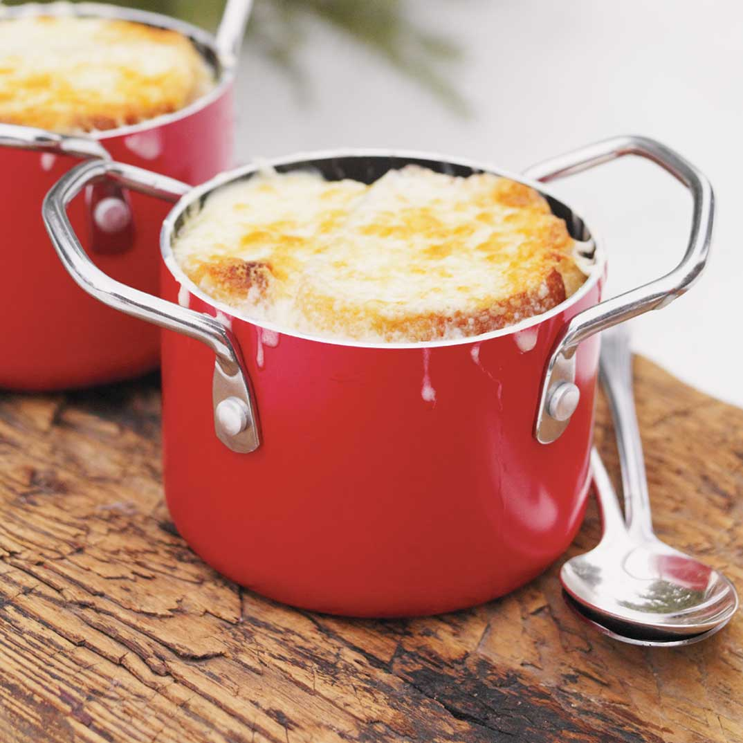Cabbage Soup Gratinée (French onion soup-style)