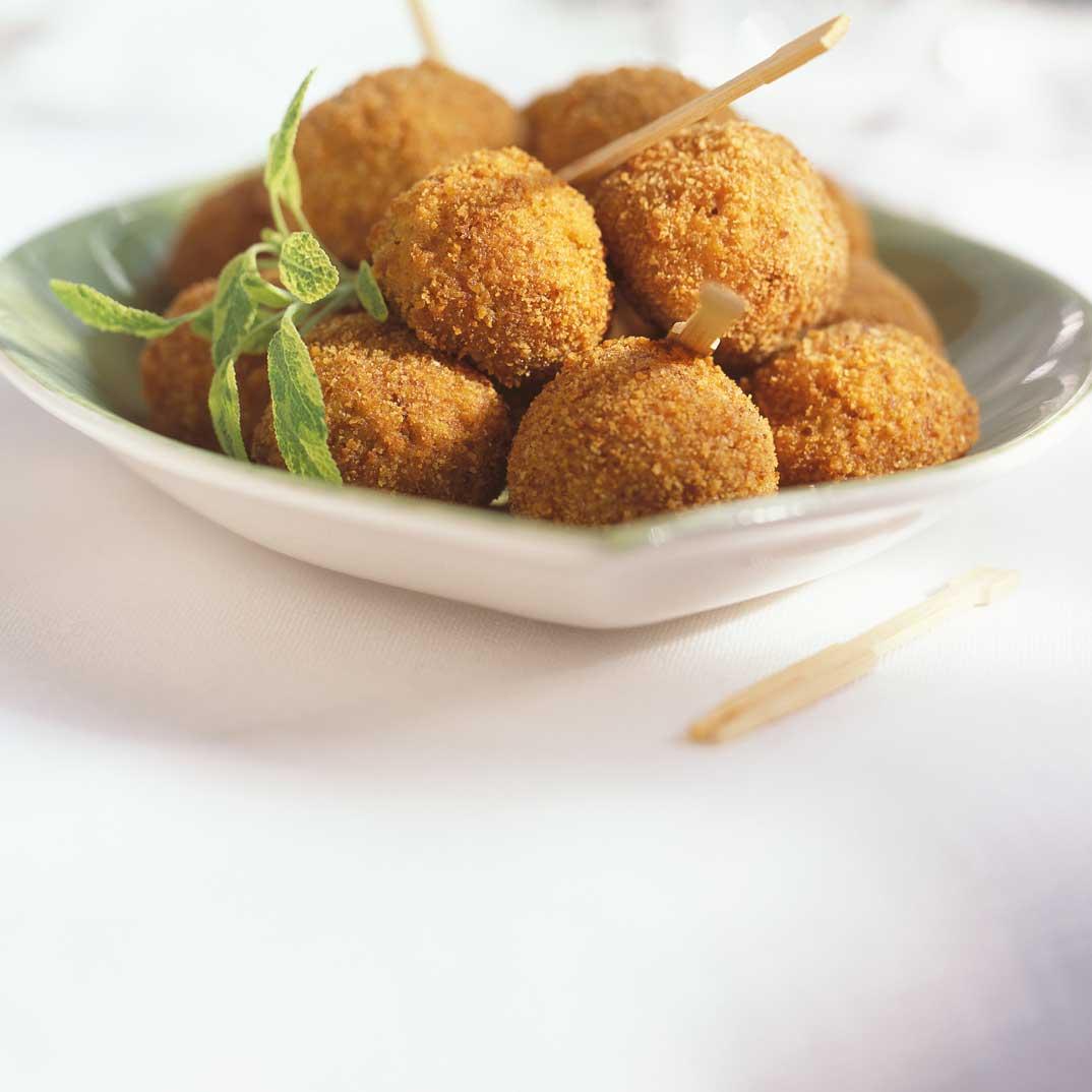 Cheese Korsmeskies (fried cheese balls)