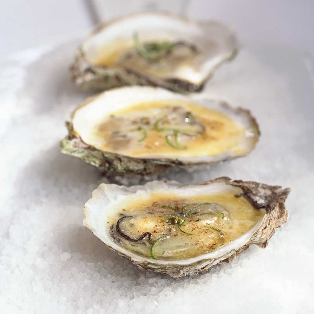 Oysters with Fresh Lime