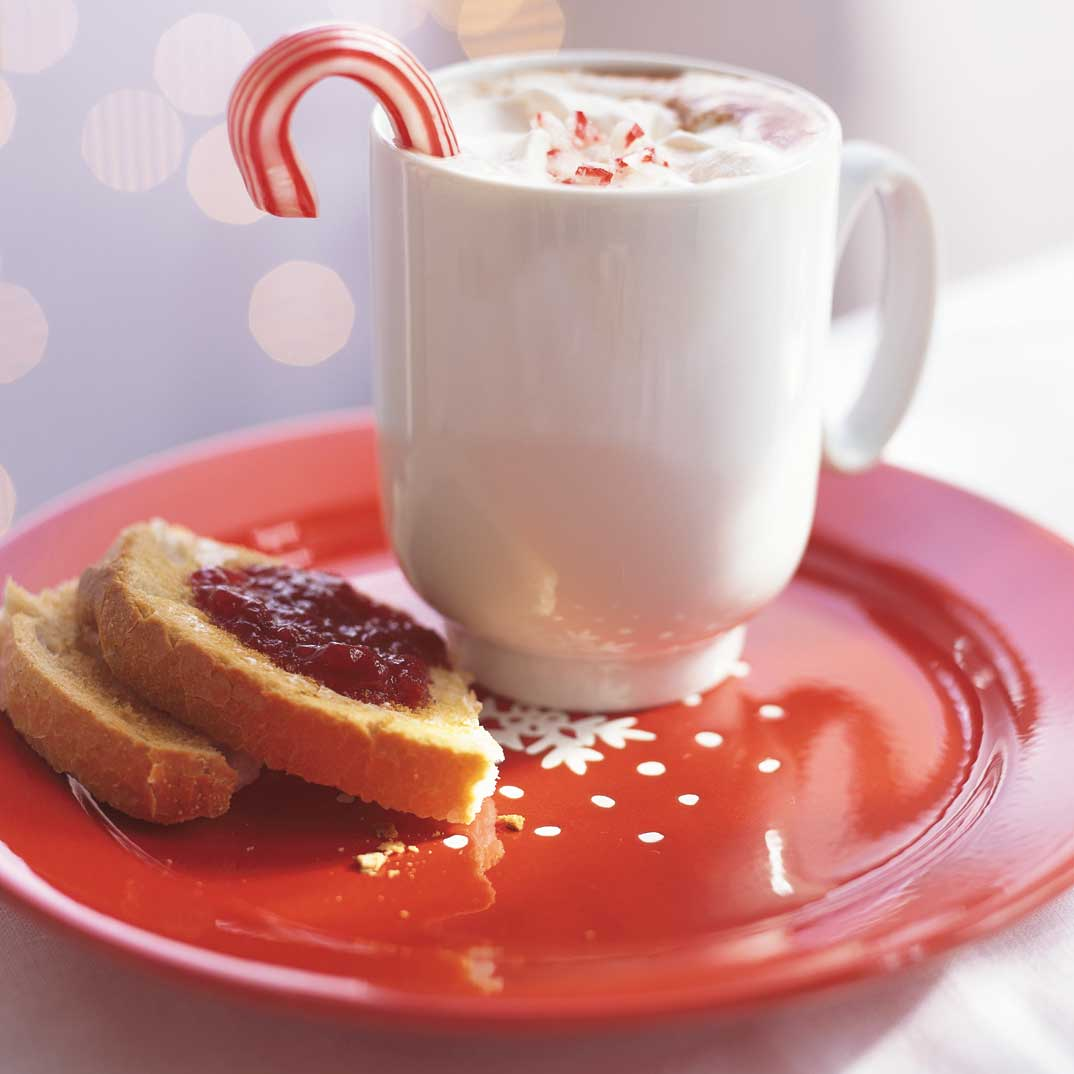 Candy Cane-Flavoured Hot chocolate