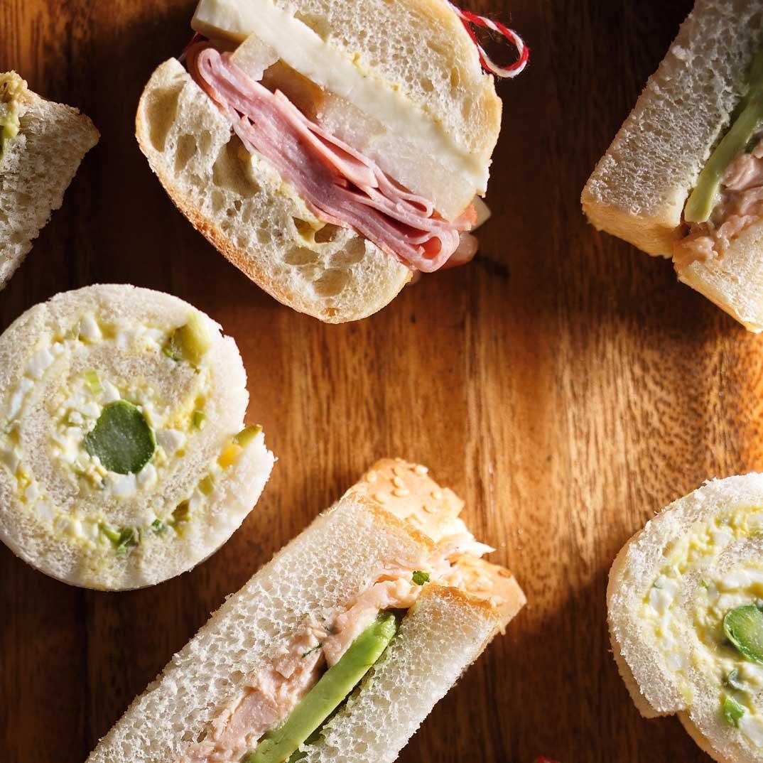 Sandwichs mortadelle et poire