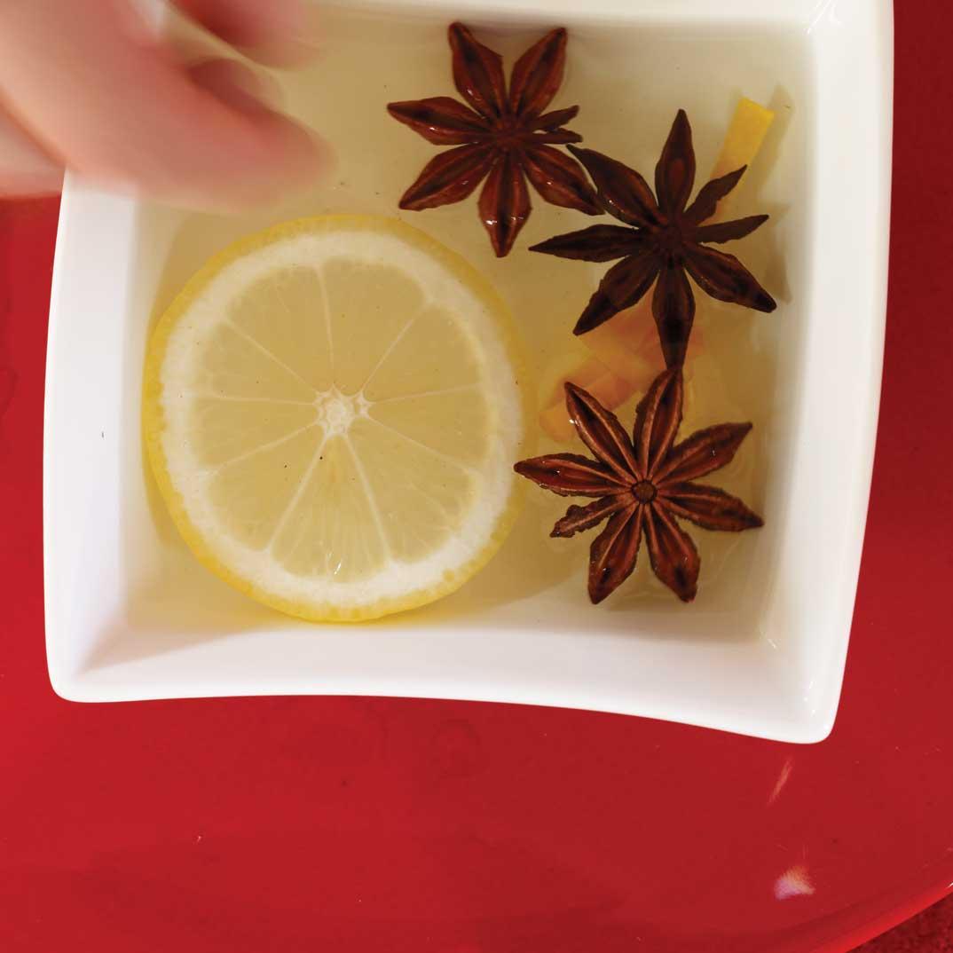 Rince-doigts à l'orange et à l'anis étoilé