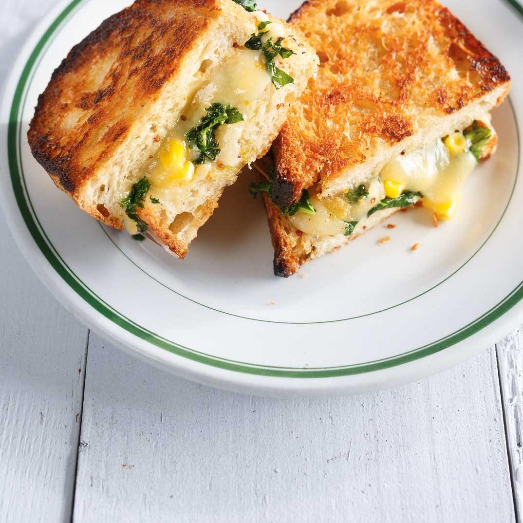 <i>Grilled cheese</i> au kale