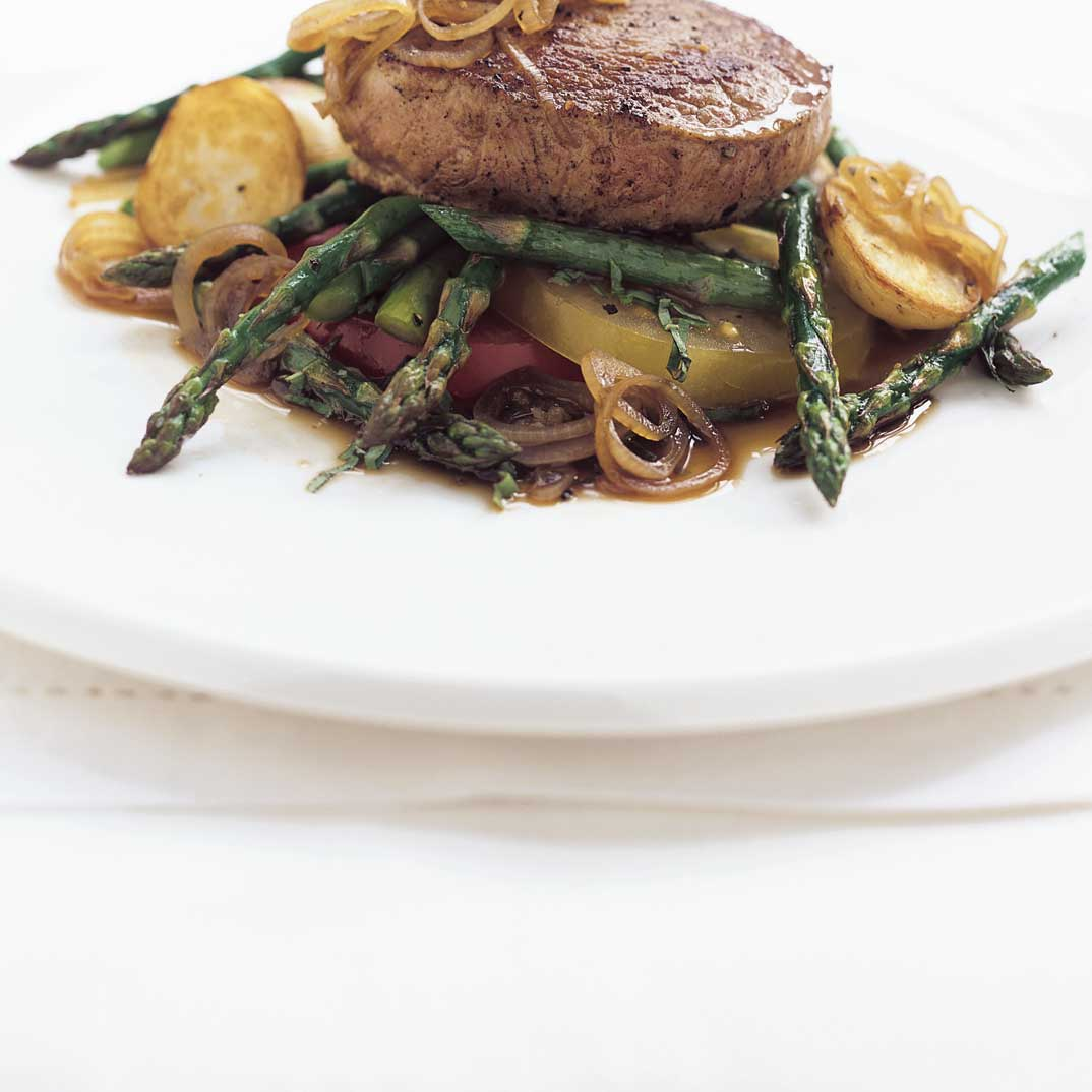 Veal Medallions with Fresh Tomatoes, Shallots and Asparagus