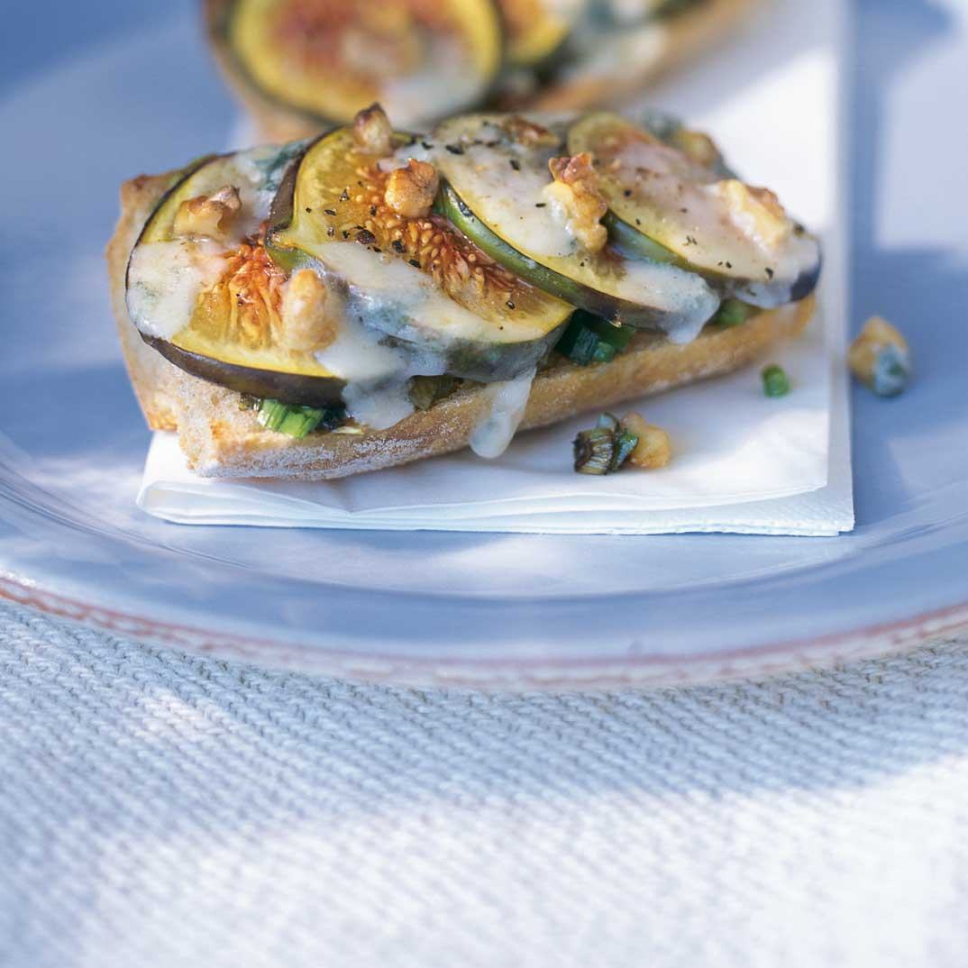 Gorgonzola and Fig Crostini