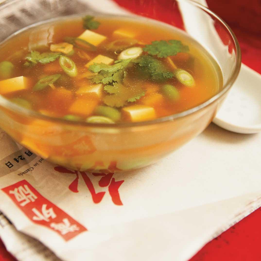 Soupe aux fèves de soya et au tofu tendre