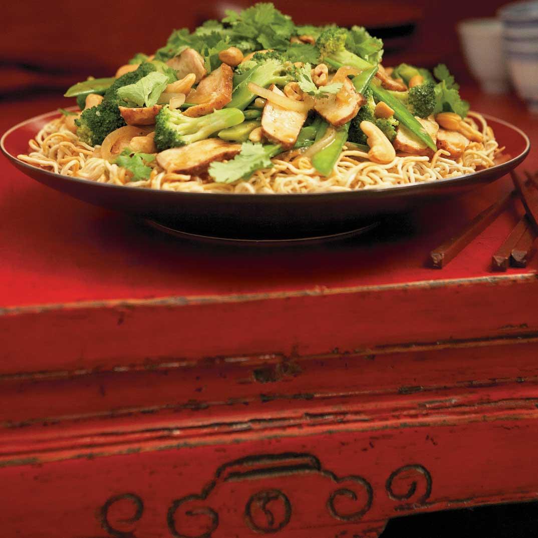 Nouilles croustillantes aux légumes et au porc