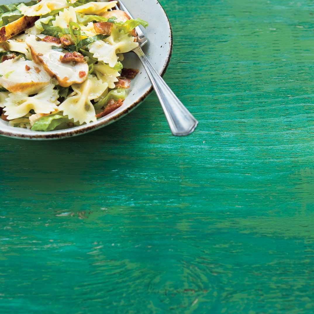 Salade de pâtes au poulet à la César