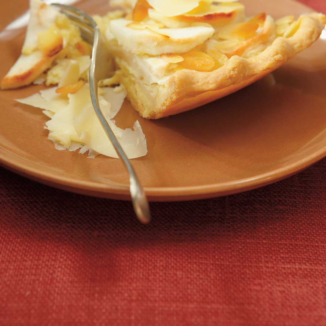Tarte frangipane aux pommes et au cheddar de marie soleil ricardo - Tarte soleil aux pommes ...