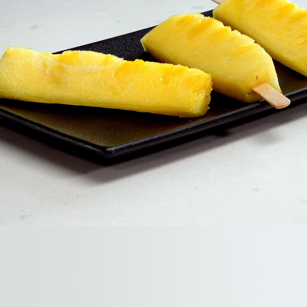 Bâtonnets d'ananas givré