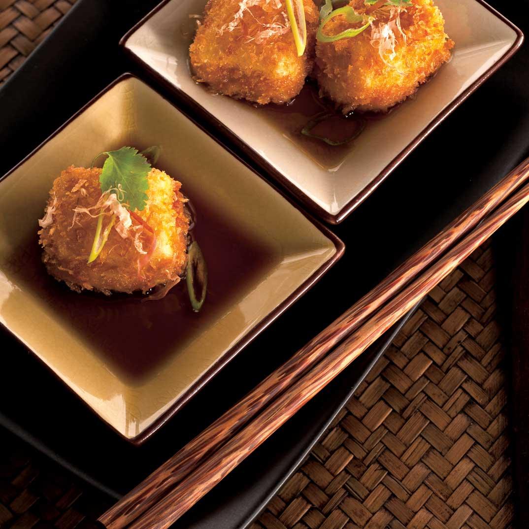 Tofu frit et bouillon comme un dashi (agedashi tofu)