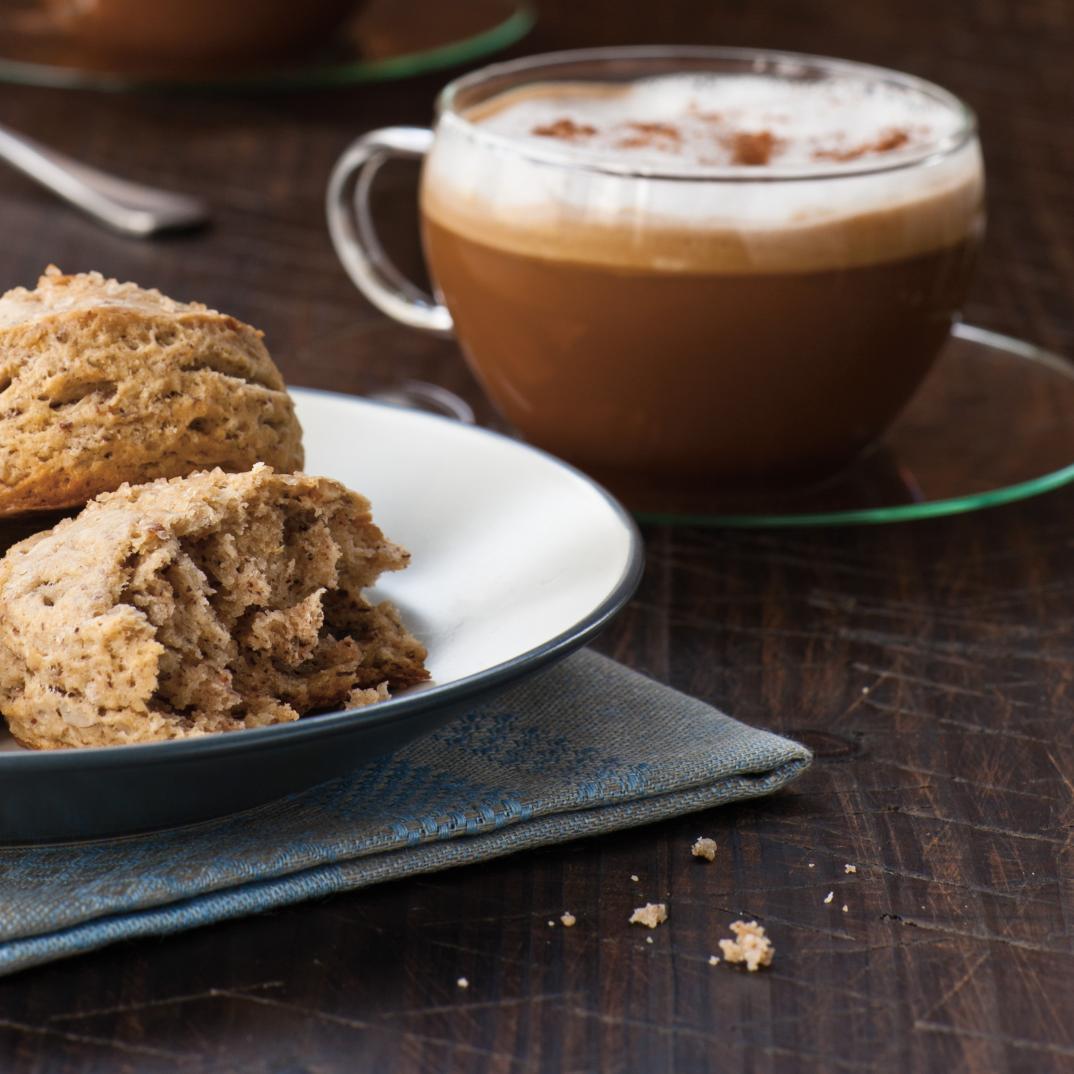 Café au lait de coco et à la muscade