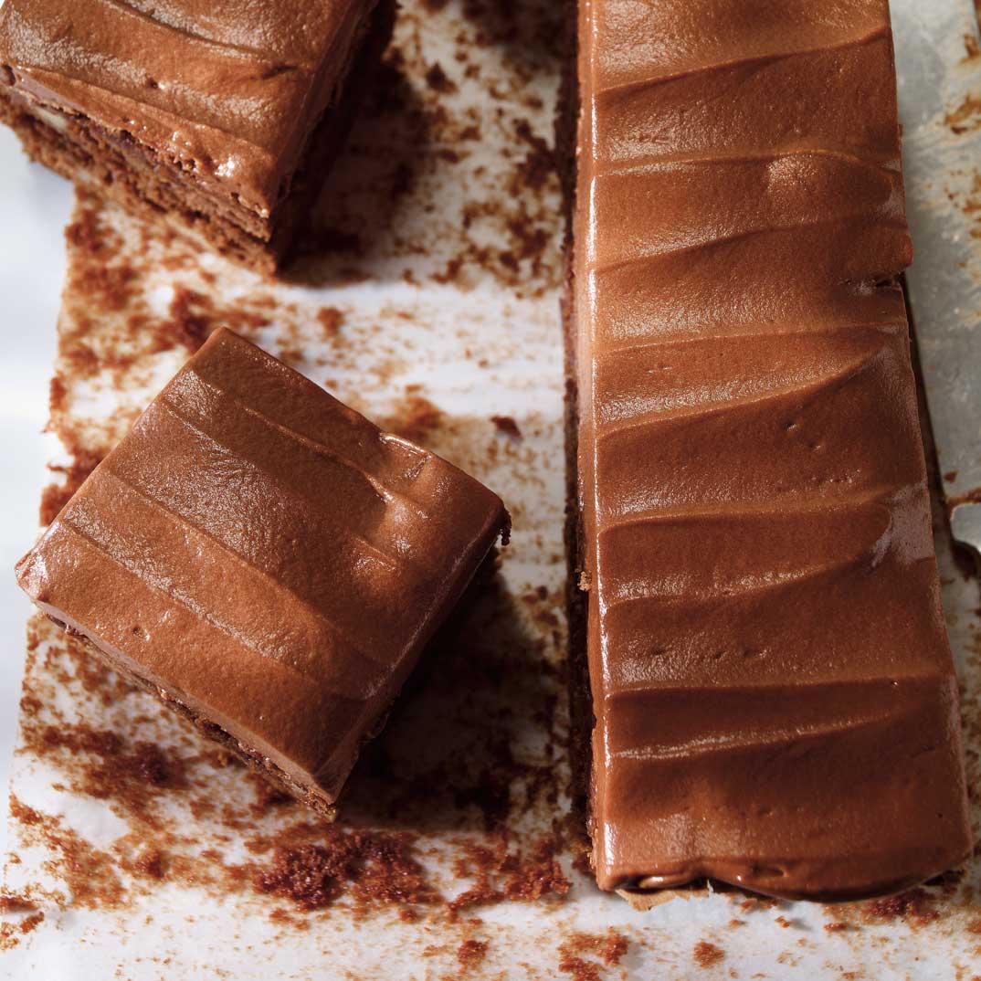 Brownies aux noix et glaçage au chocolat