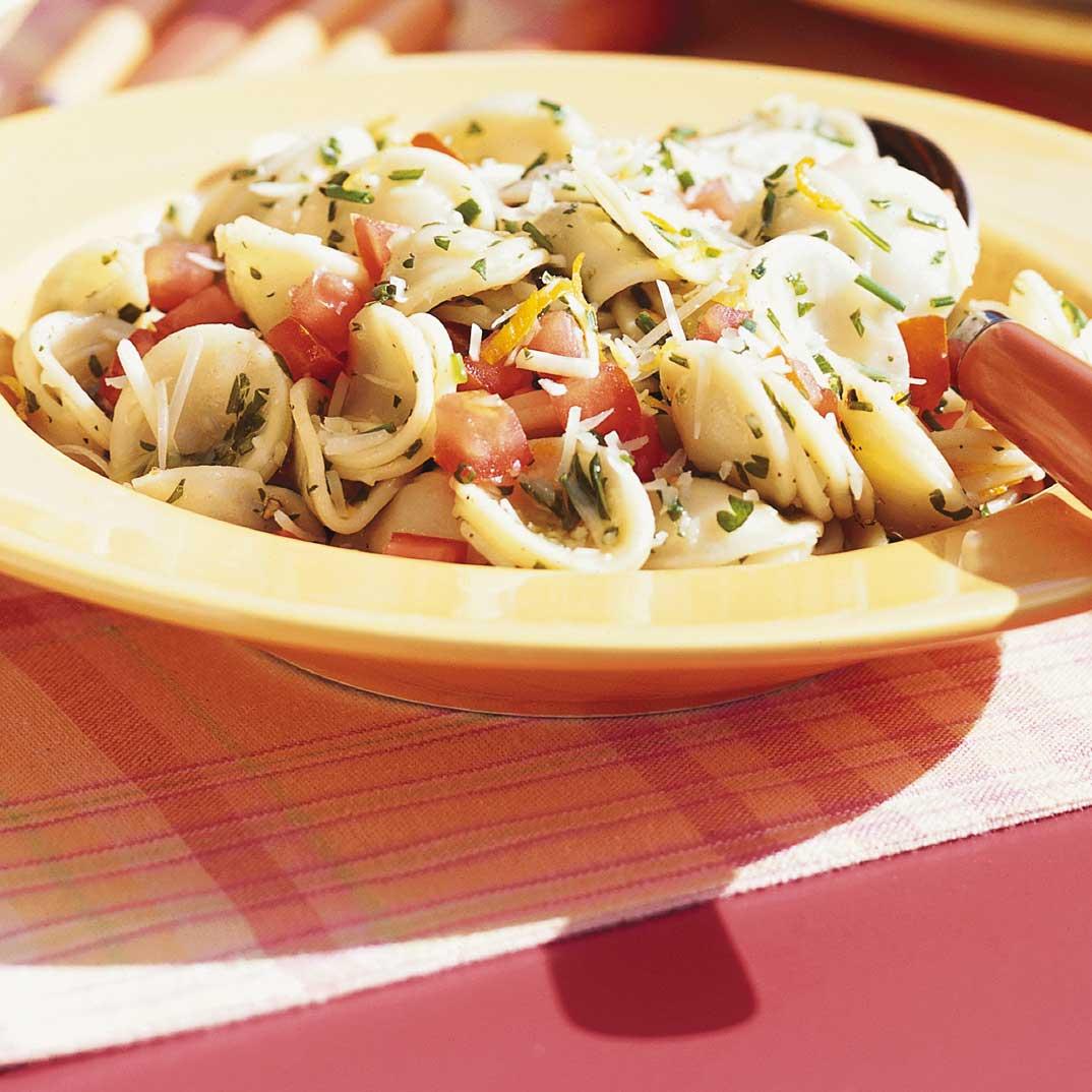 Salade de p tes alla gremolata ricardo for Article de cuisine ricardo