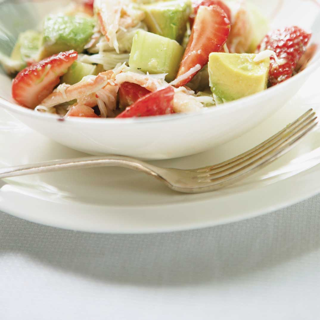 Crab and Strawberry Salad with Lime