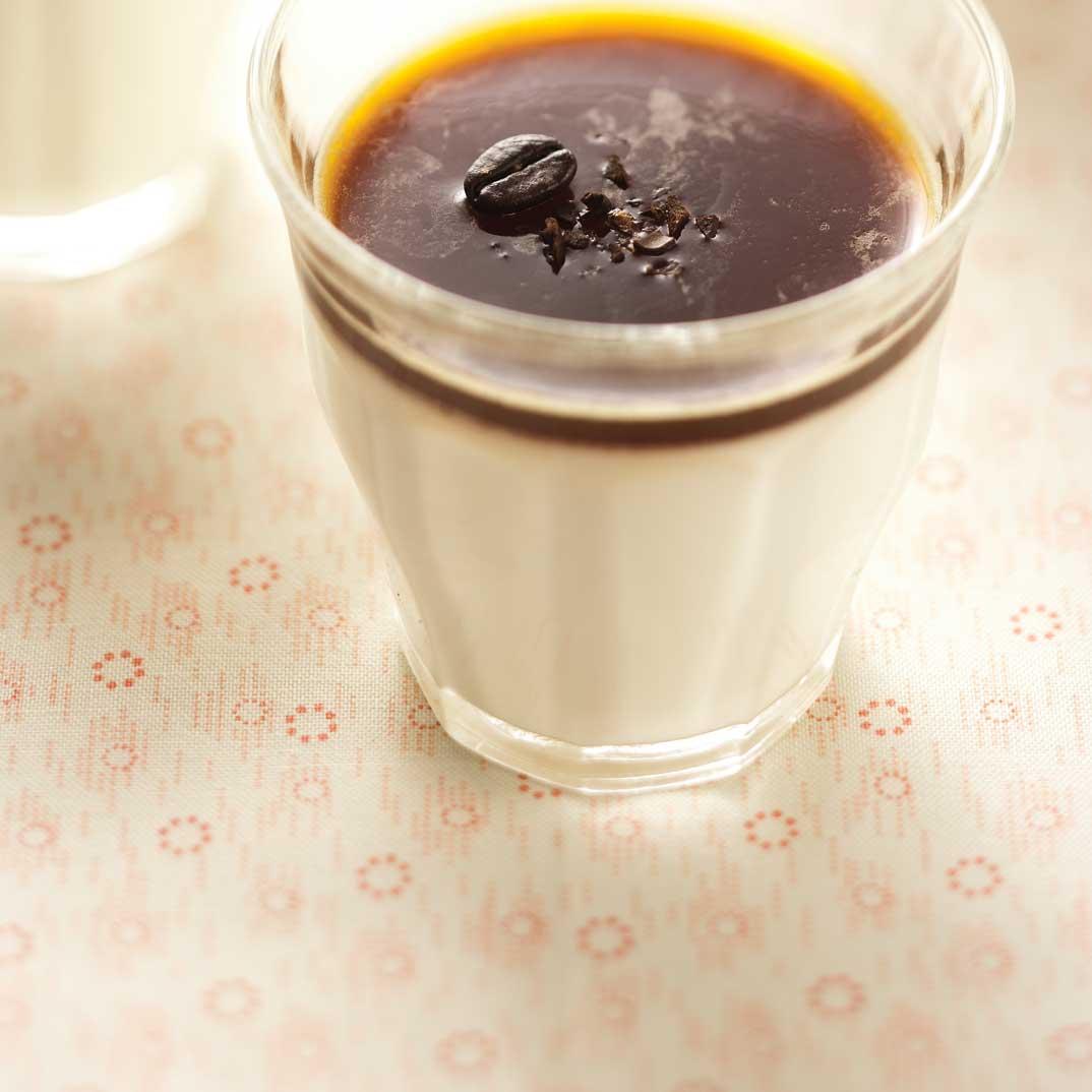 Panna cotta à la crème fraîche et gelée au café