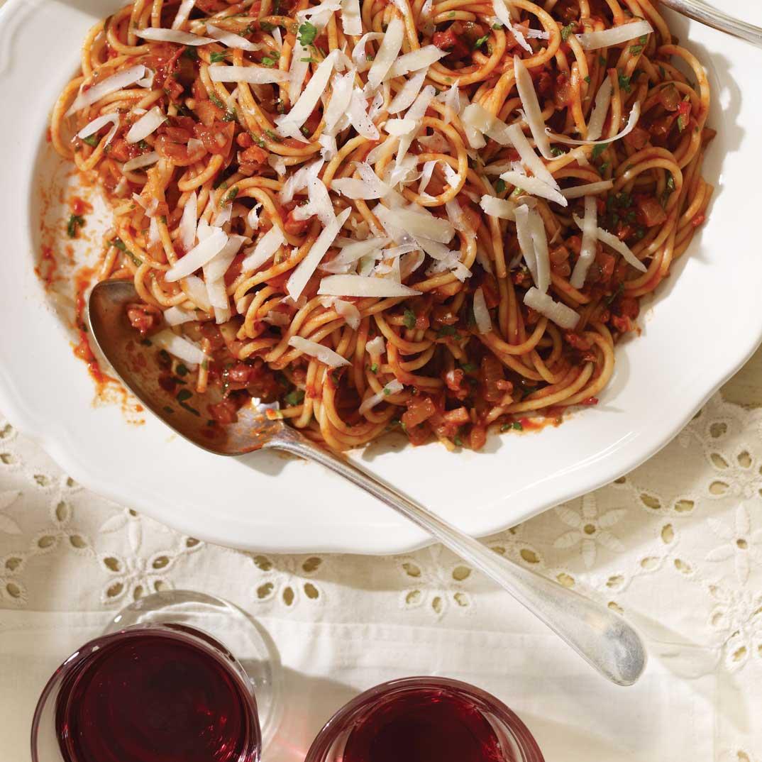 <i>Spaghetti All'amatriciana</i> (Spaghetti with a Spicy Tomato Sauce)