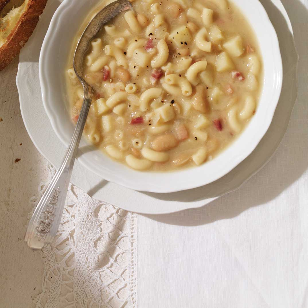 <i>Pasta e fagioli</i> (Soupe aux macaronis et aux haricots)