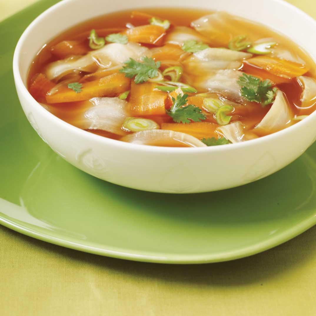 Soupe aux épluchures de légumes racines