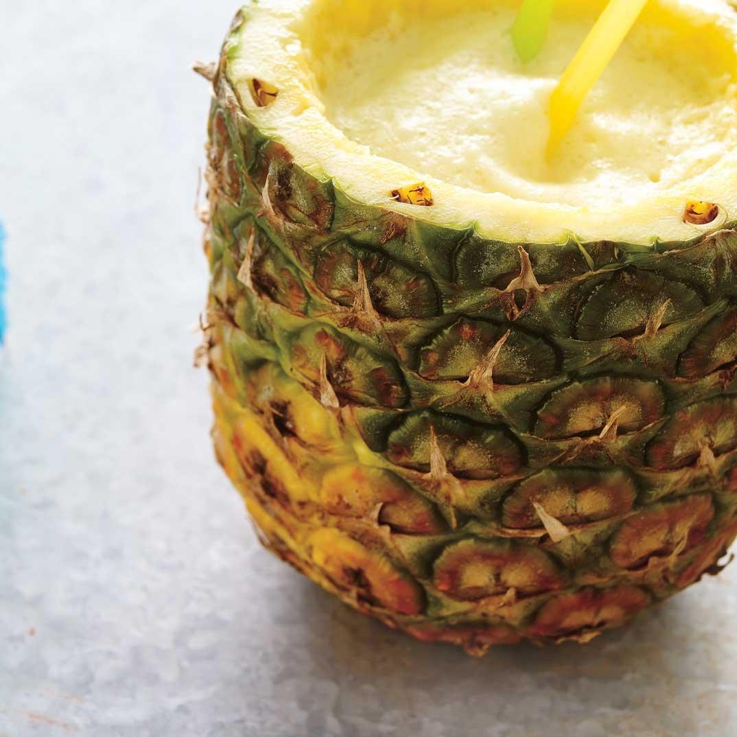 Cocktail à l'ananas épicé