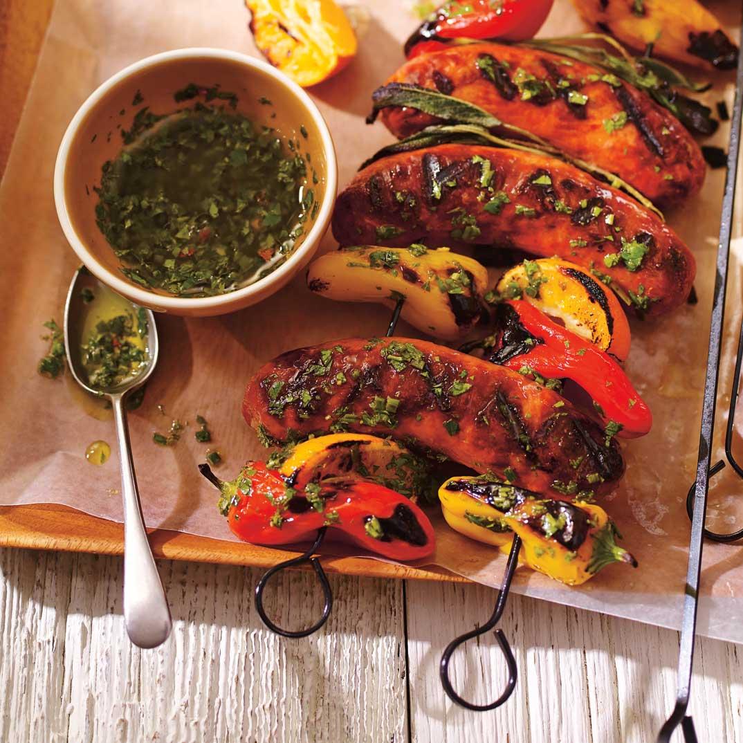 Brochettes de saucisses et d'agrumes