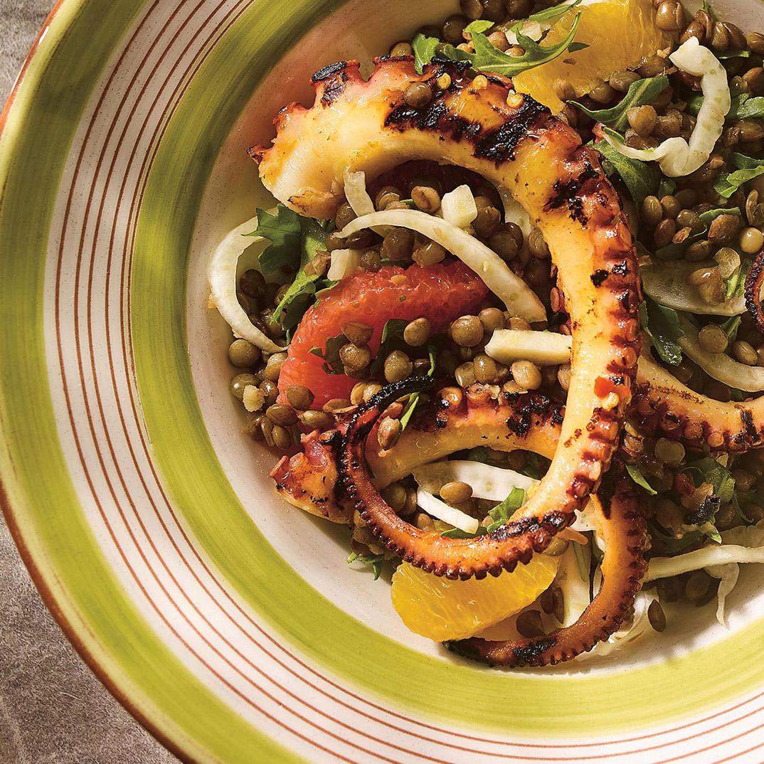 Salade de pieuvre aux lentilles, au fenouil et aux agrumes