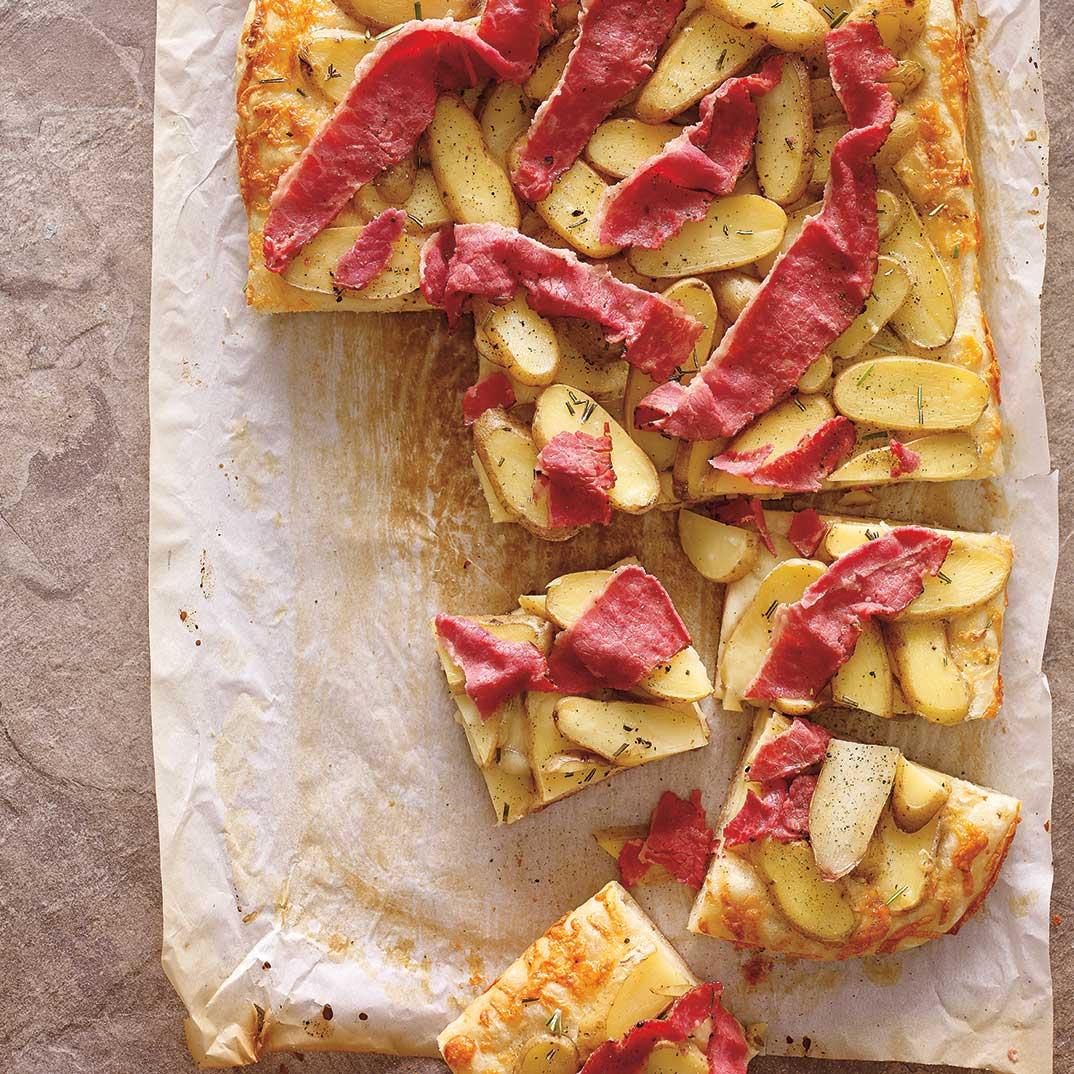 Focaccia à la pomme de terre  et à la viande fumée