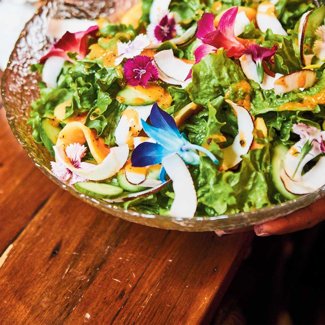 Salade verte et vinaigrette à la papaye