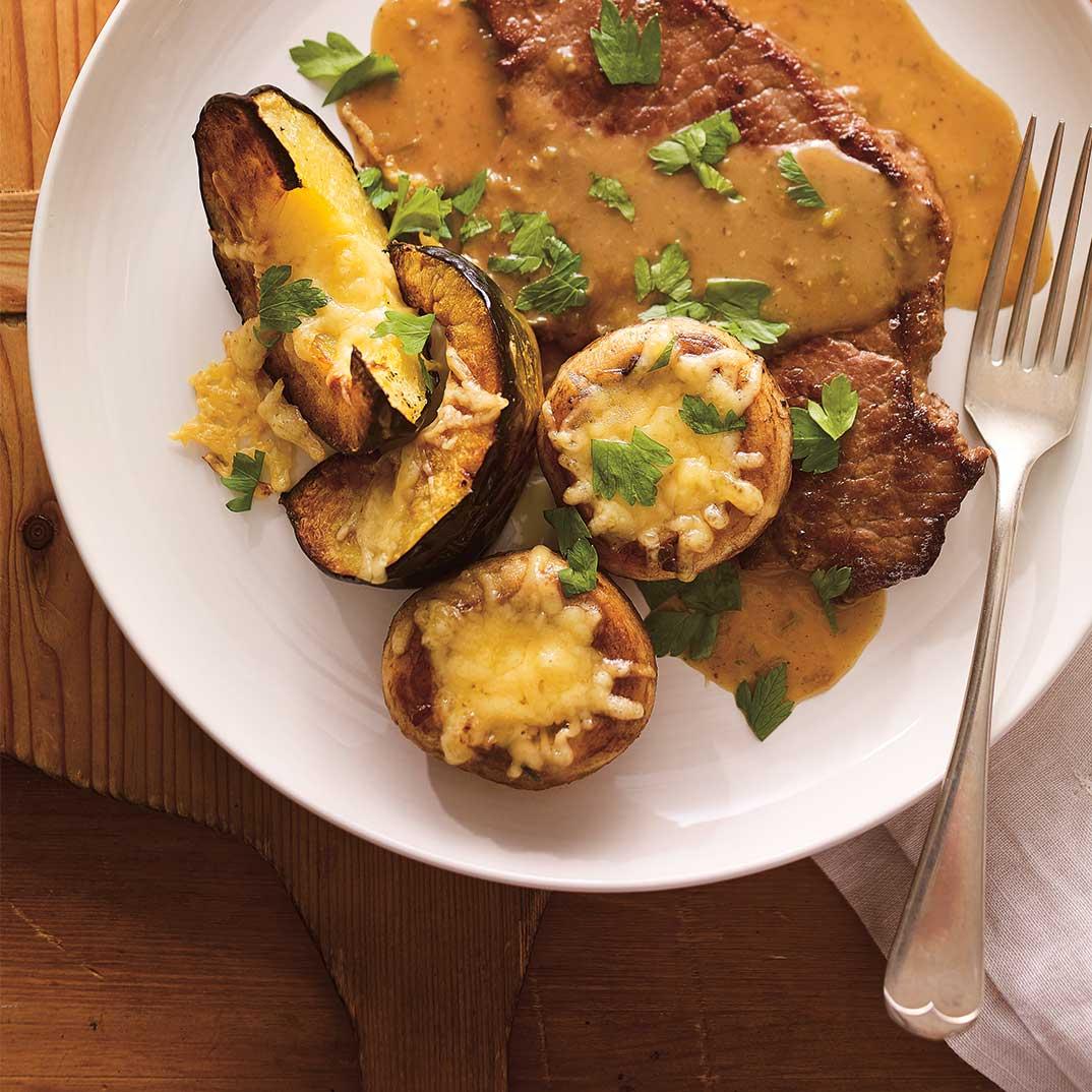 Escalopes de veau, courge rôtie et champignons au fromage fondant