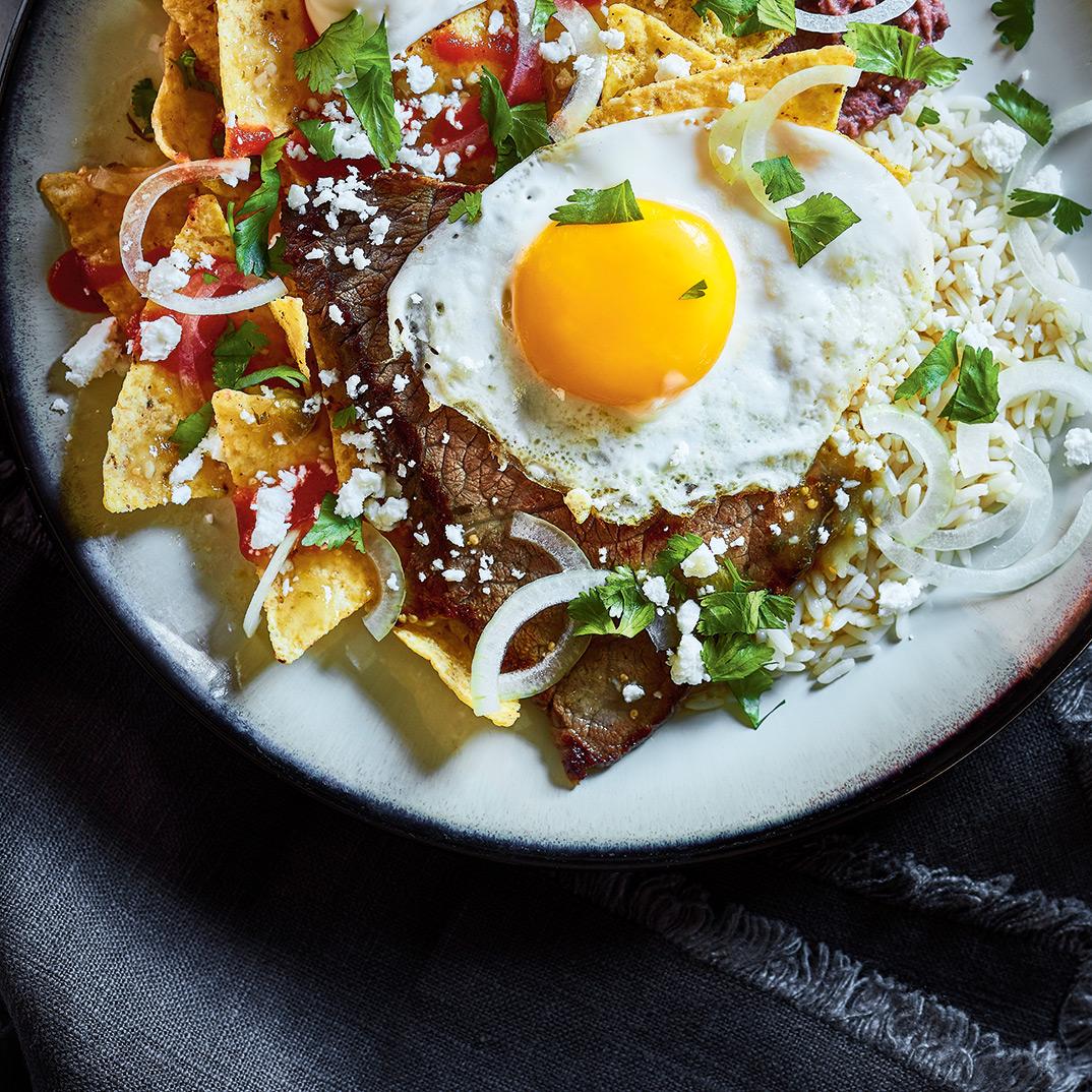 <i>Chilaquiles</i> au bœuf et à l'œuf