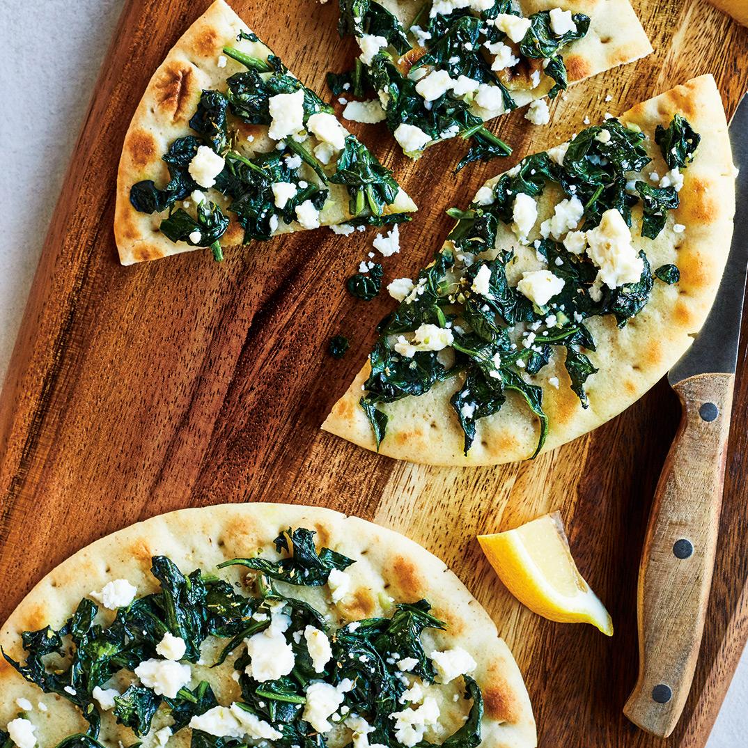 Pizza aux épinards et à la feta