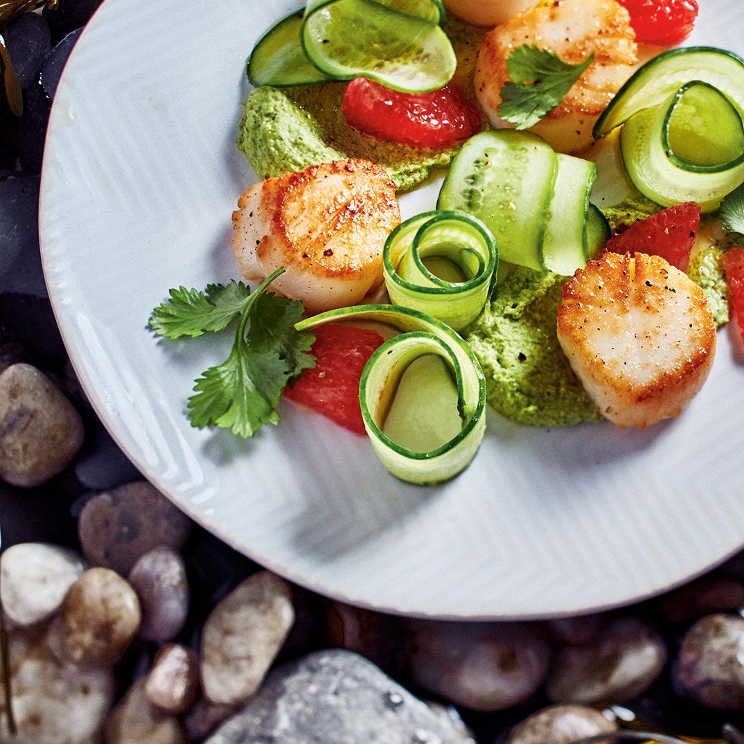 Scallops with Edamame Hummus and Grapefruit Salad