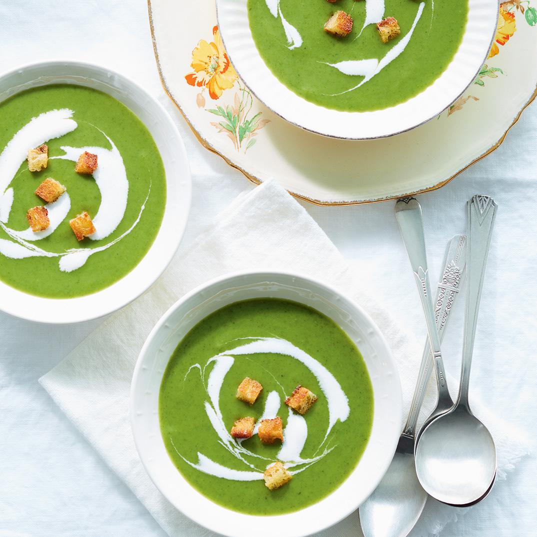 Soupe froide de laitue et de radis