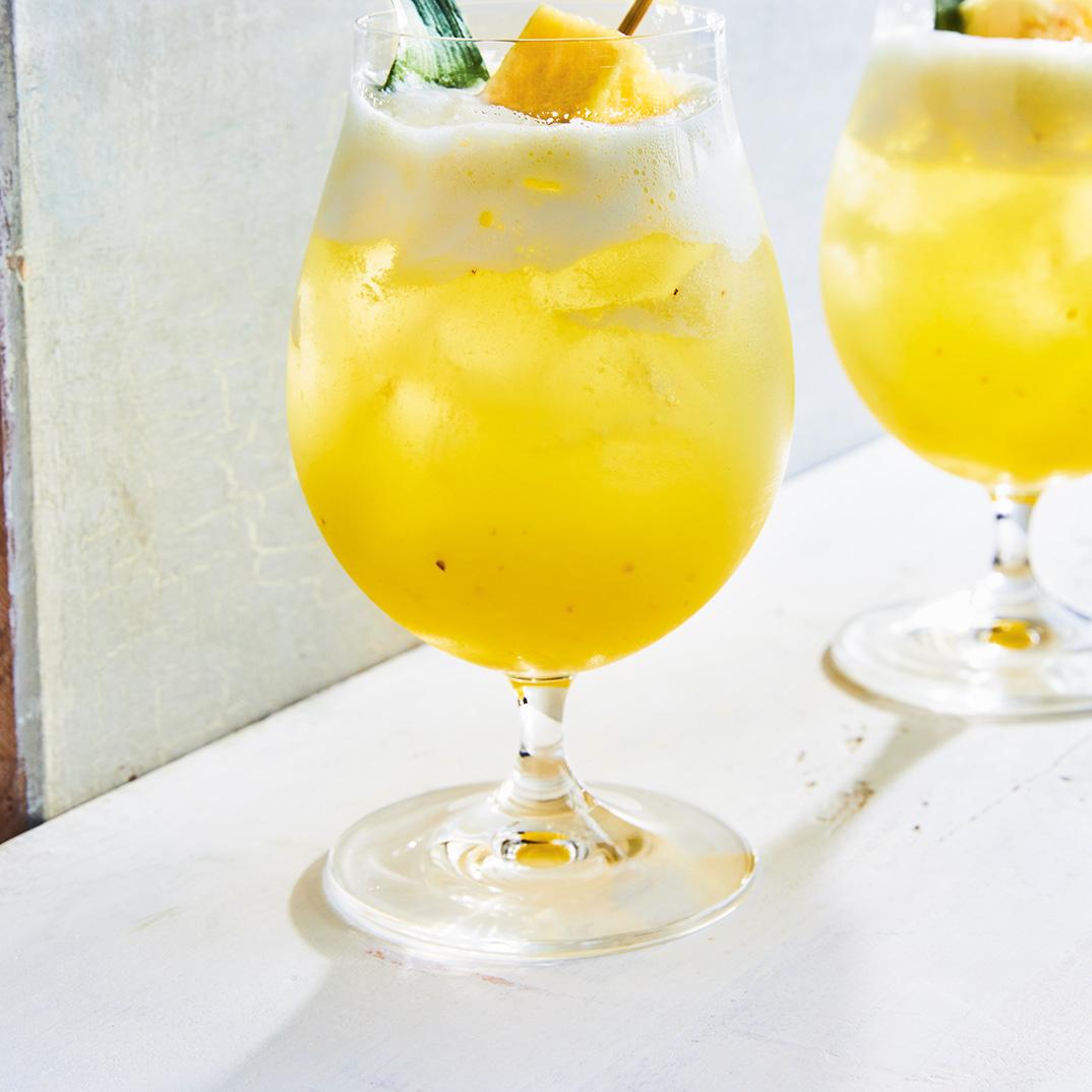 Mocktail « ananas sureau fizz »