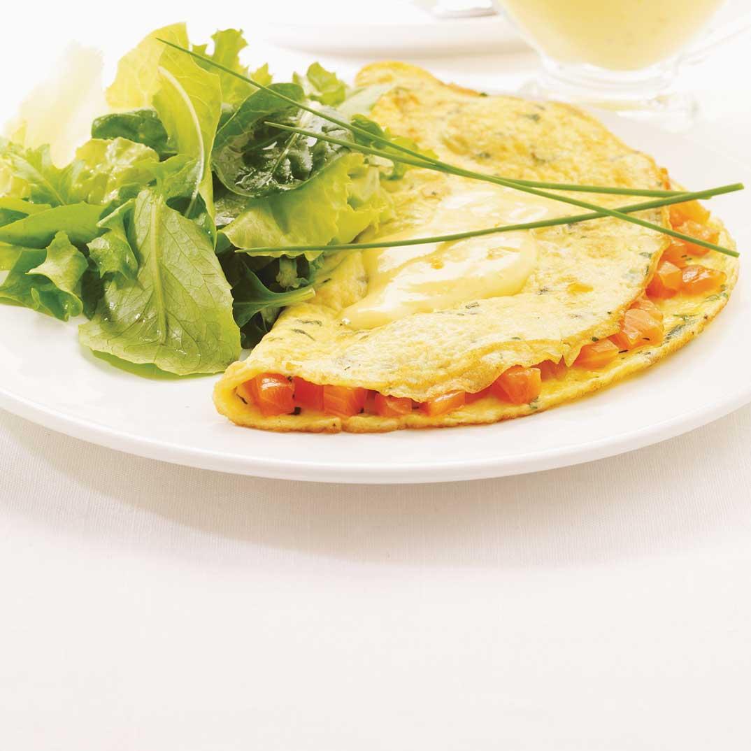 Omelette au saumon mariné, sauce maltaise