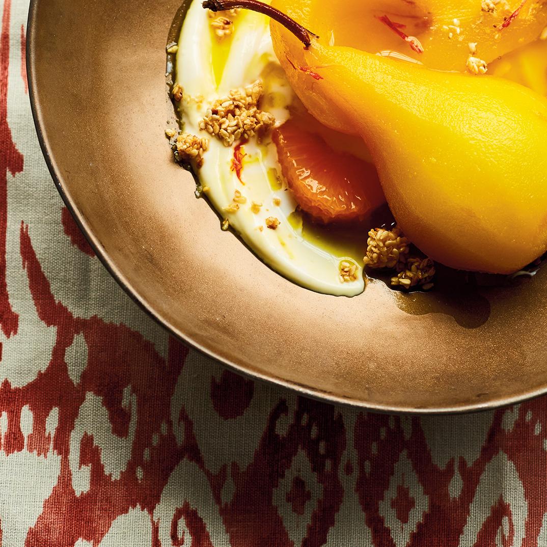 Poires pochées au mastic, au safran et à la mandarine d'Ethné de Vienne