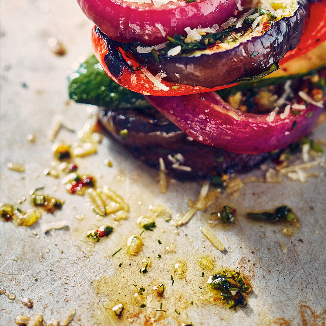 Étagés de légumes grillés aux fines herbes