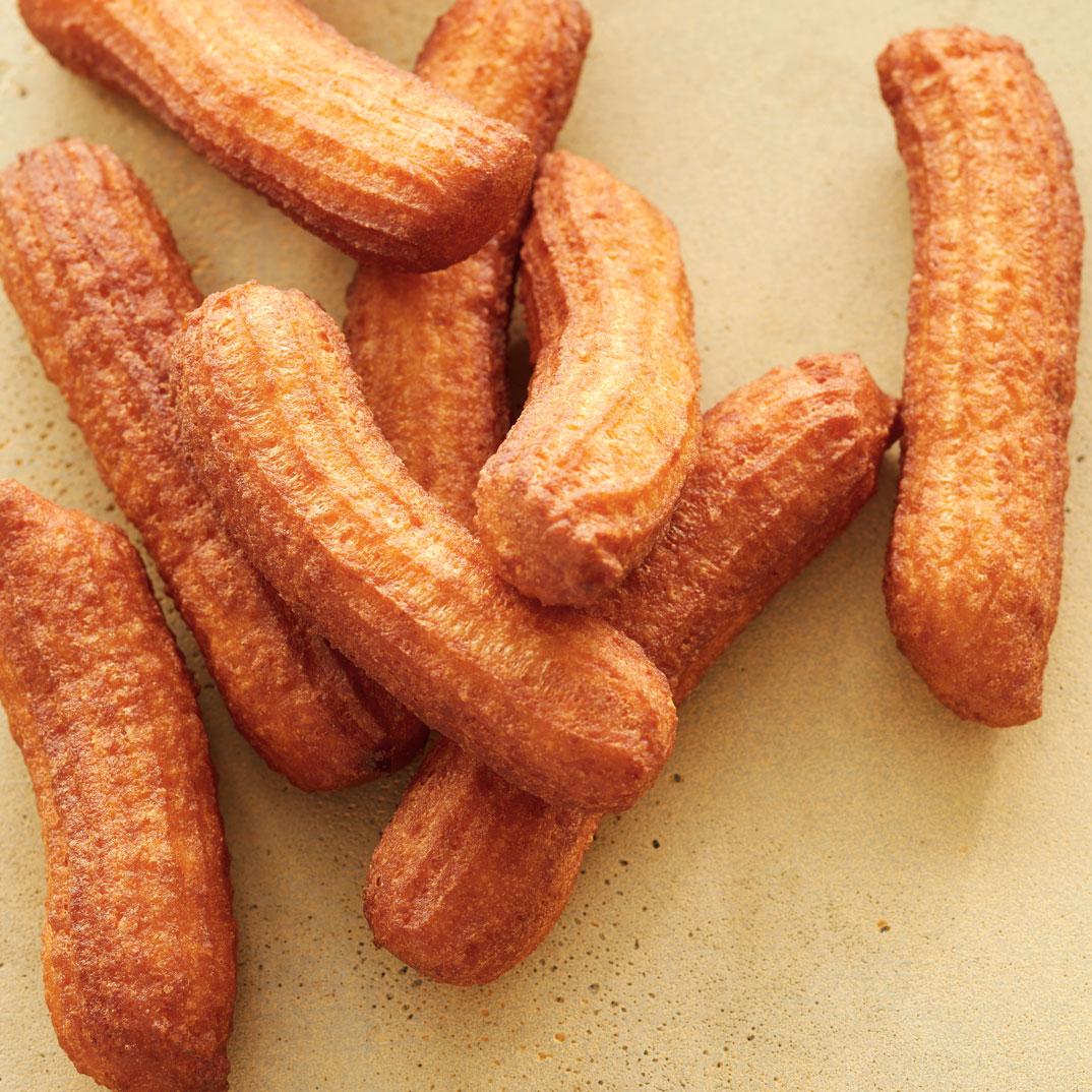 Beignets à la ricotta et sirop d'érable chaud aux épices