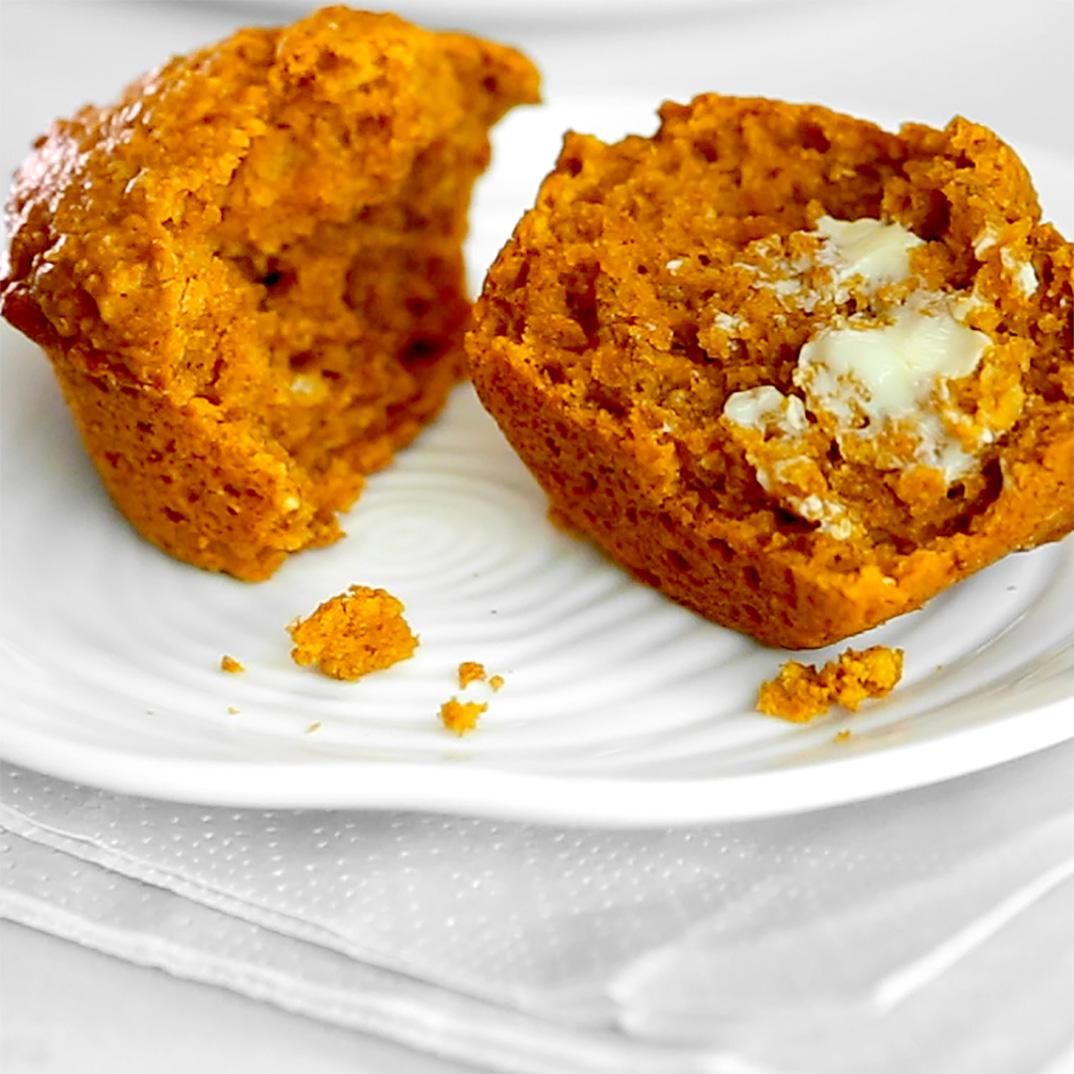 Pumpkin–Molasses Muffins