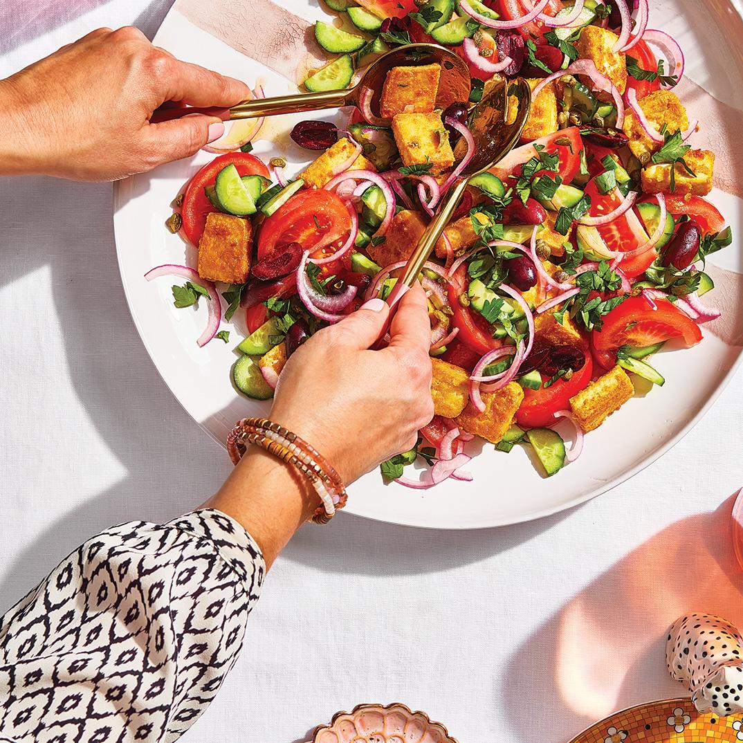 Salade de tomates aux croûtons de tofu « style panzanella »