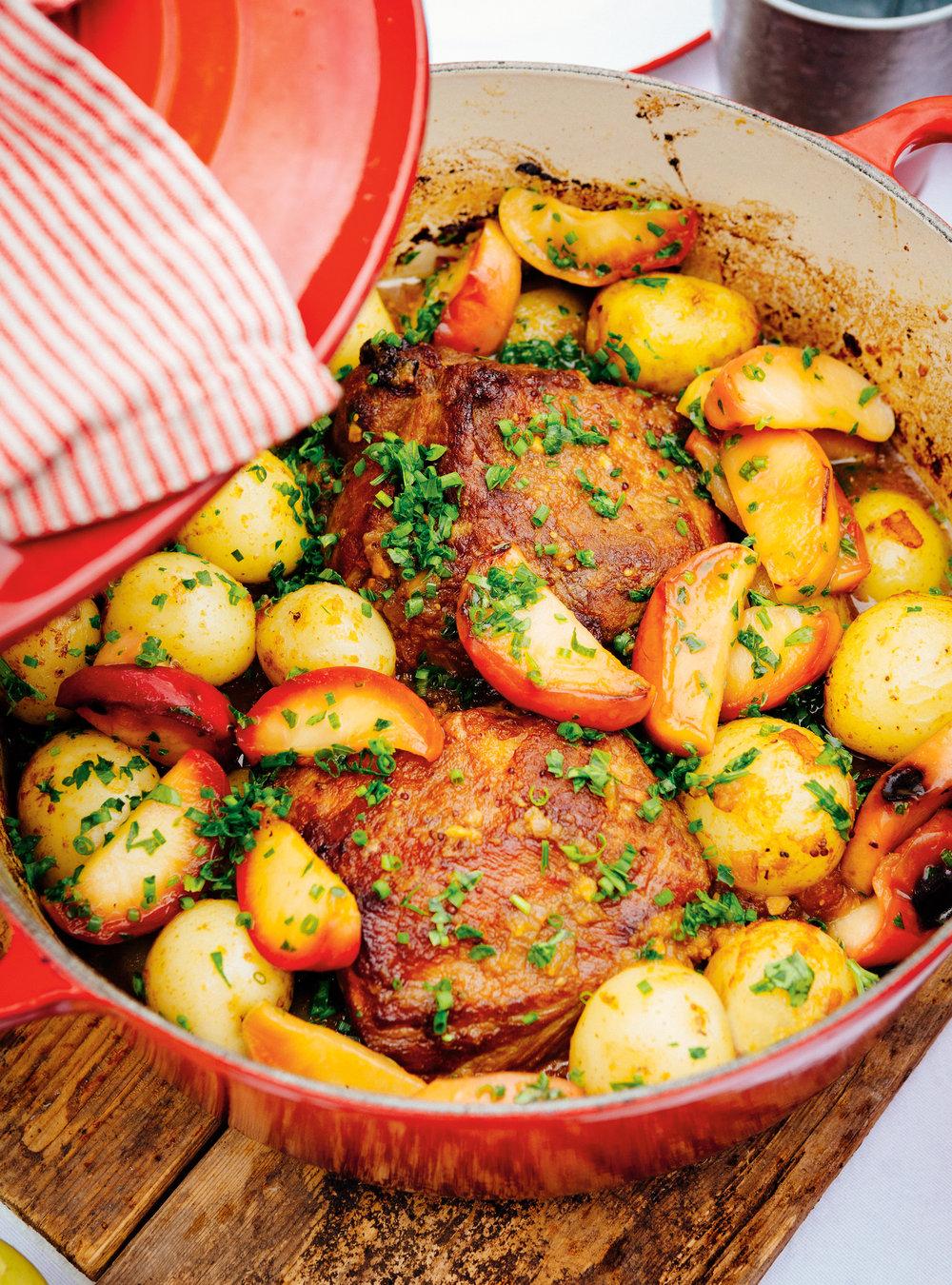 R ti de porc brais aux pommes ricardo for Article de cuisine ricardo