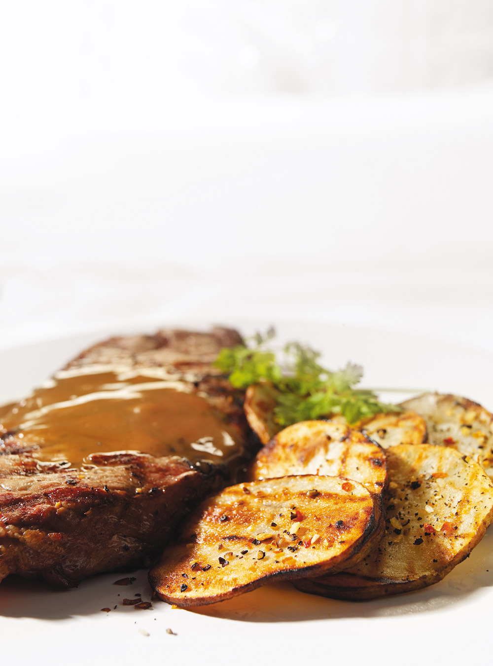Strip Loin Steaks With Creamy Brown Butter And Balsamic Sauce Ricardo