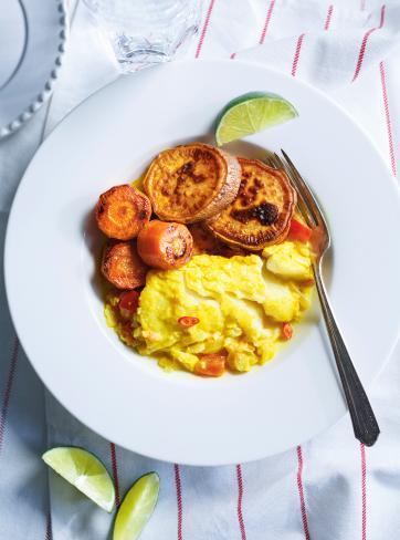 Ragoût de poisson au curcuma, patates douces et carottes