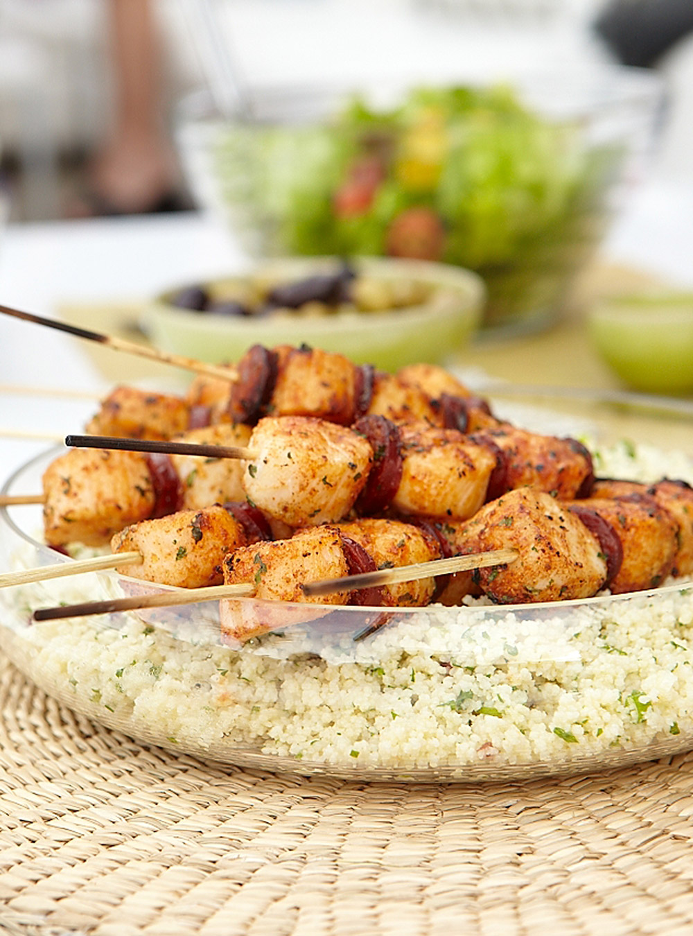 Brochettes de pétoncles à la marocaine et chorizo grillé