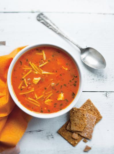 Photo Soupe poulet et nouilles au jus de carottes