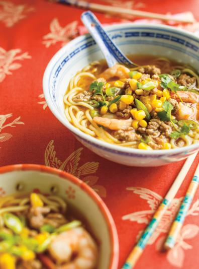 Photo Soupe ramen au porc haché et aux crevettes